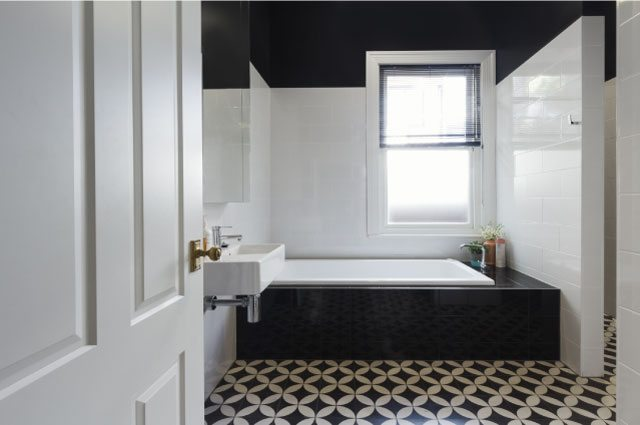 black-white-tile-bathroom